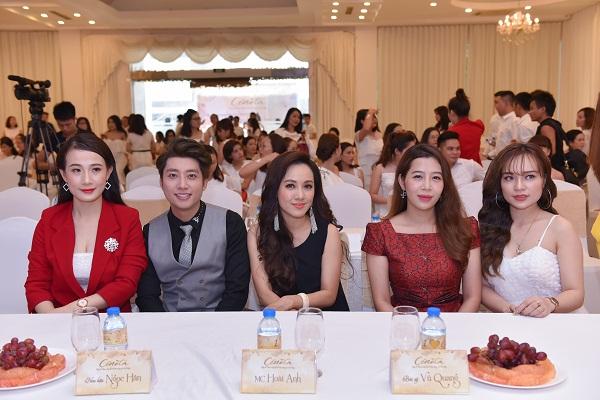 Các vị khách mời tham dự Hội nghị